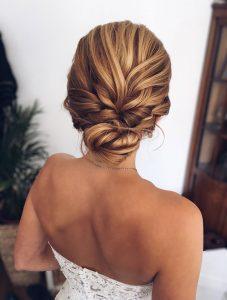 Lockere Brautfrisur blond