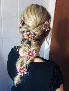 Mermaidbraid mit Blumen und Flechtung